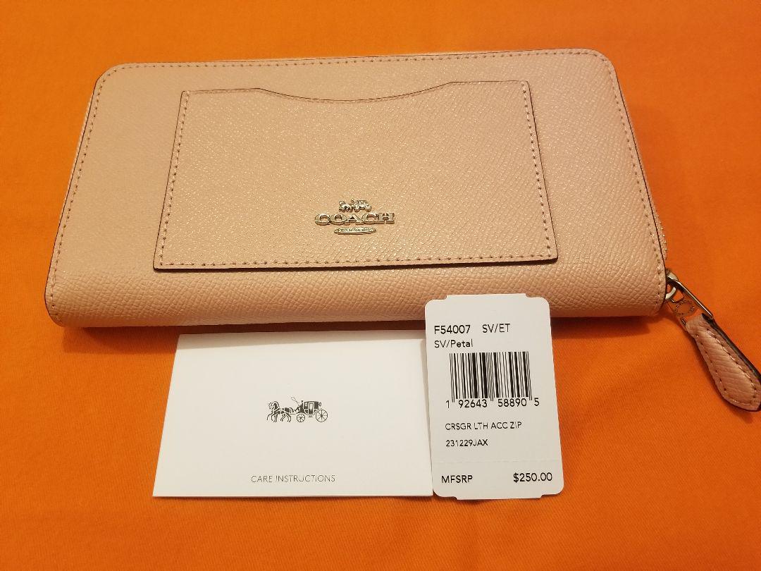 buy popular 8eef5 e8901 COACH コーチ サーモンピンク長財布(¥13,000) - メルカリ スマホでかんたん フリマアプリ