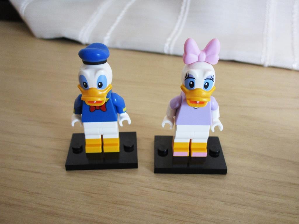メルカリ レゴ ディズニーミニフィグ ドナルド デイジー 2体 知育