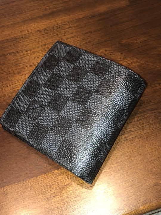 best cheap 61282 513e6 ルイヴィトン 二つ折り ダミエグラフィット 財布 黒(¥22,500) - メルカリ スマホでかんたん フリマアプリ