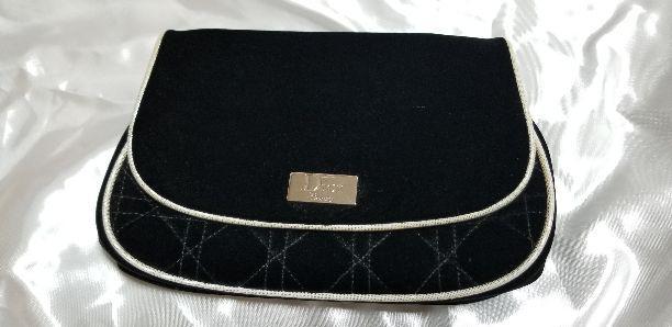 new concept 32fba 0985e Dior(ディオール)限定化粧ポーチ(¥4,000) - メルカリ スマホでかんたん フリマアプリ