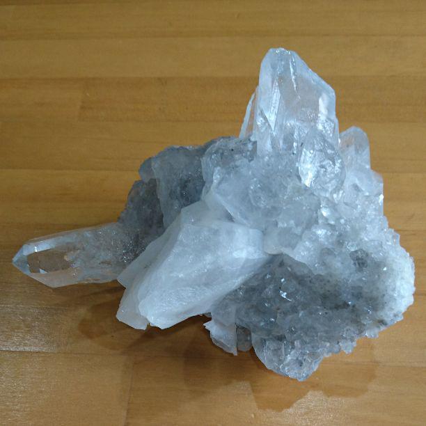 水晶 の 塊