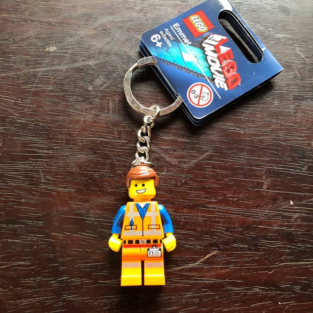NWT LEGO Exclusive The Lego Movie Emmet Keychain Key Chain 850894