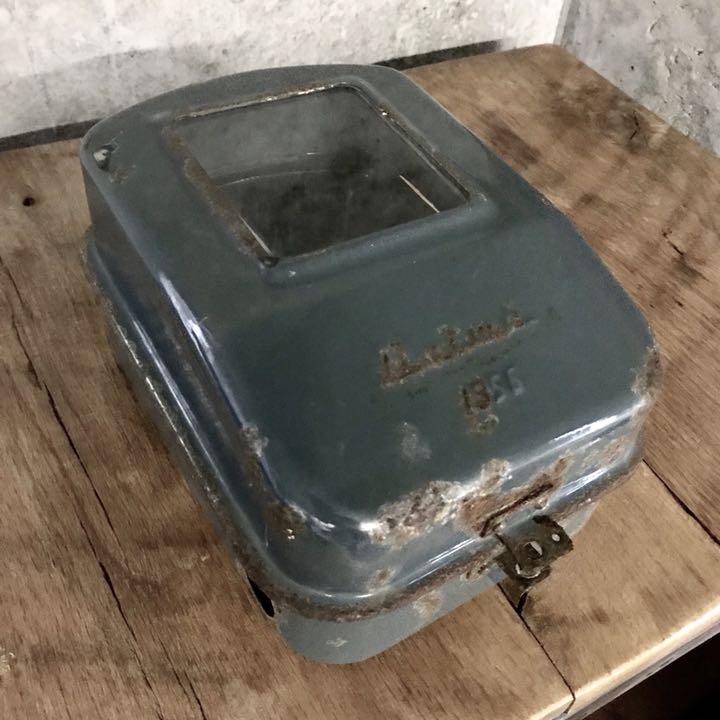 メーター カバー 電気