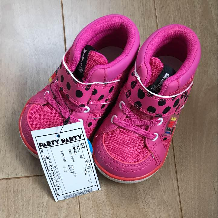 2f0d9e7298d5a メルカリ - ✨新品タグ付き✨PARTYPARTYスニーカーsize13  パーティ ...