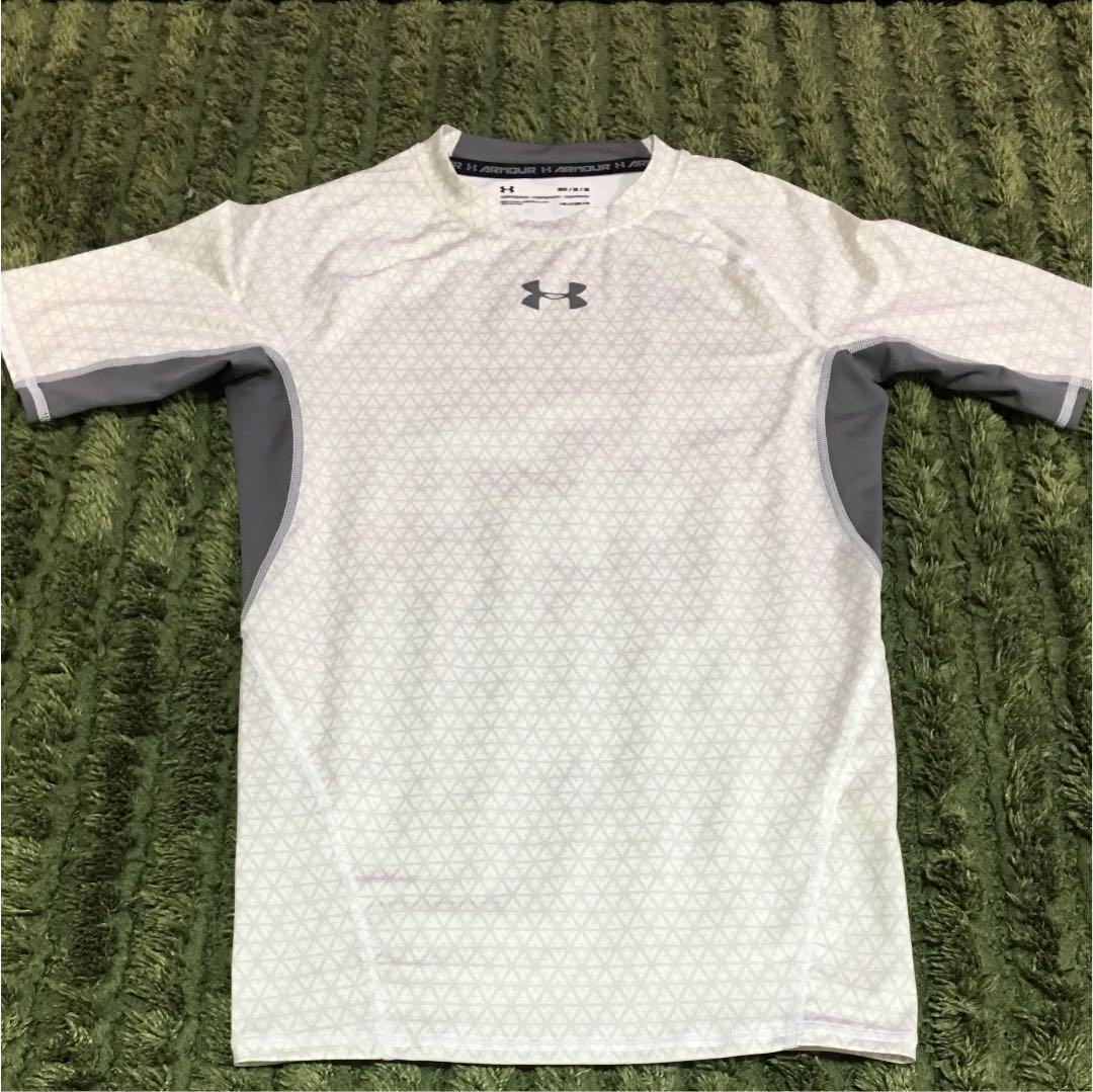 d88232525c2 メルカリ - アンダーアーマー Tシャツ メンズ Mサイズ 【トレーニング ...
