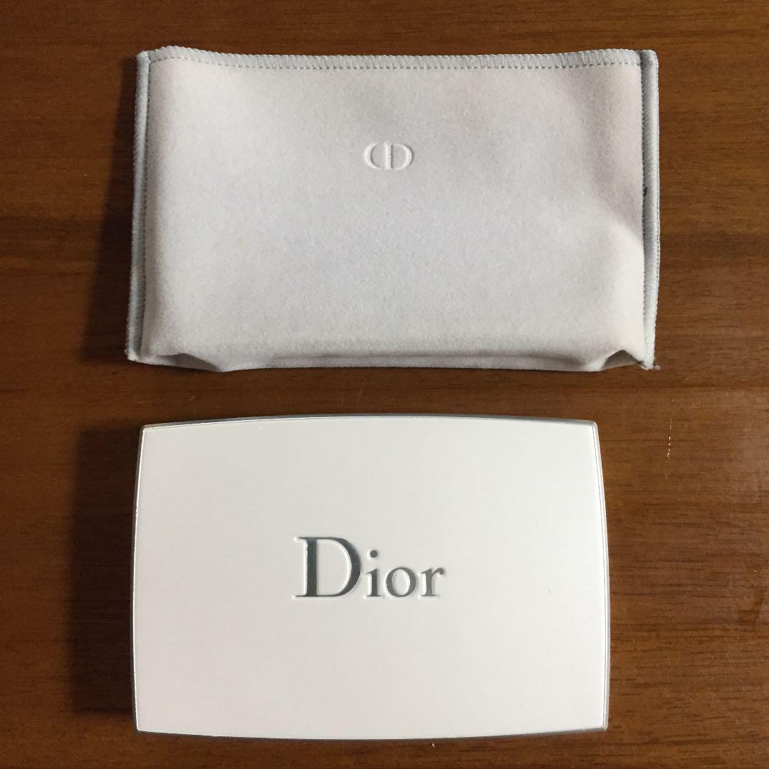 the best attitude a2092 ea1d4 Diorファンデーションケース(¥ 500) - メルカリ スマホでかんたん フリマアプリ