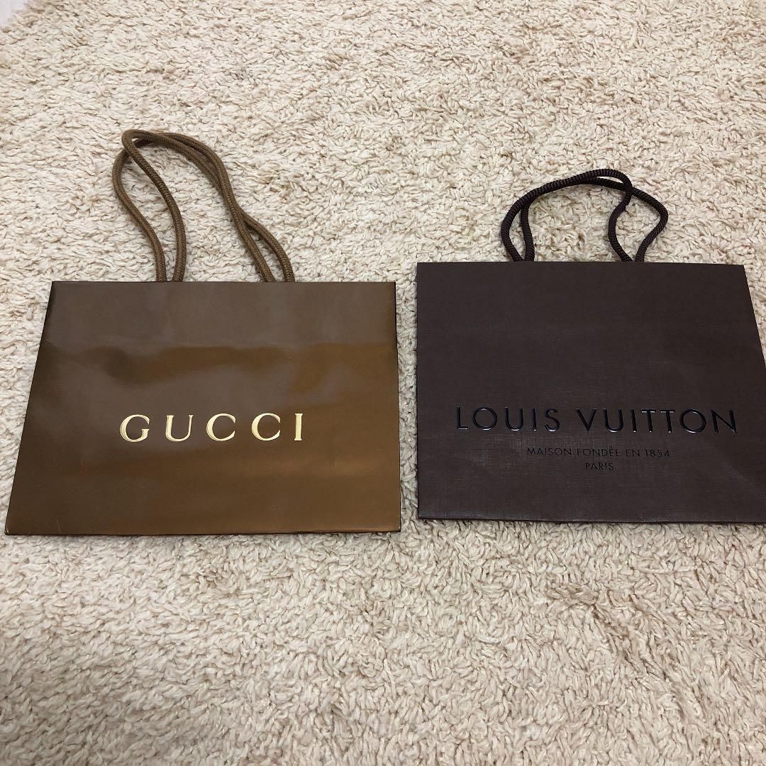 buy popular 17028 419a7 ルイヴィトン グッチ 紙袋 ショップ袋(¥300) - メルカリ スマホでかんたん フリマアプリ