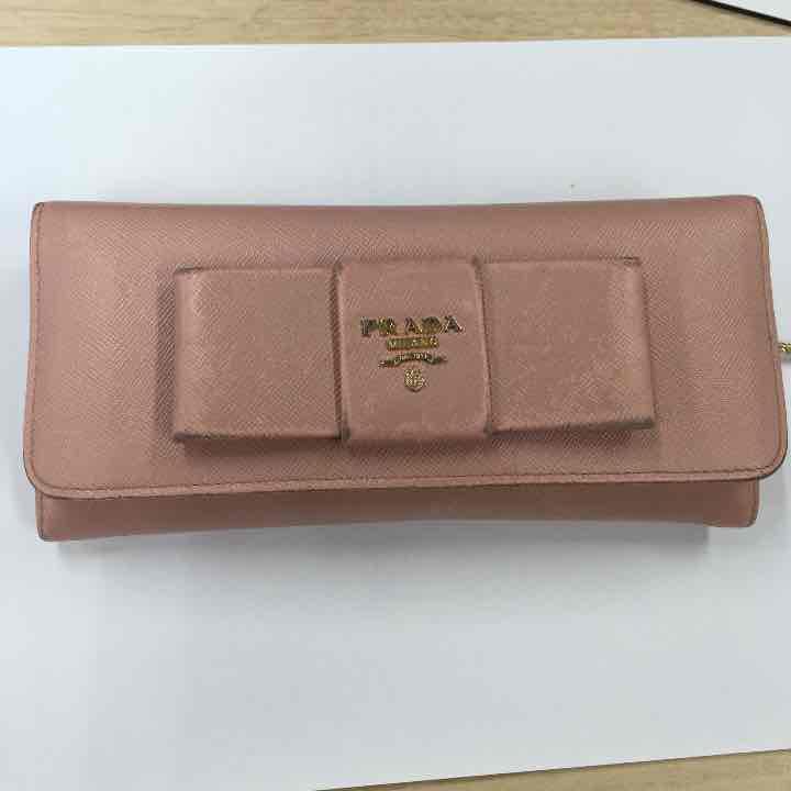 bcde03502f7b メルカリ - 中古 Prada プラダリボンボタン長財布 【プラダ】 (¥3,500 ...