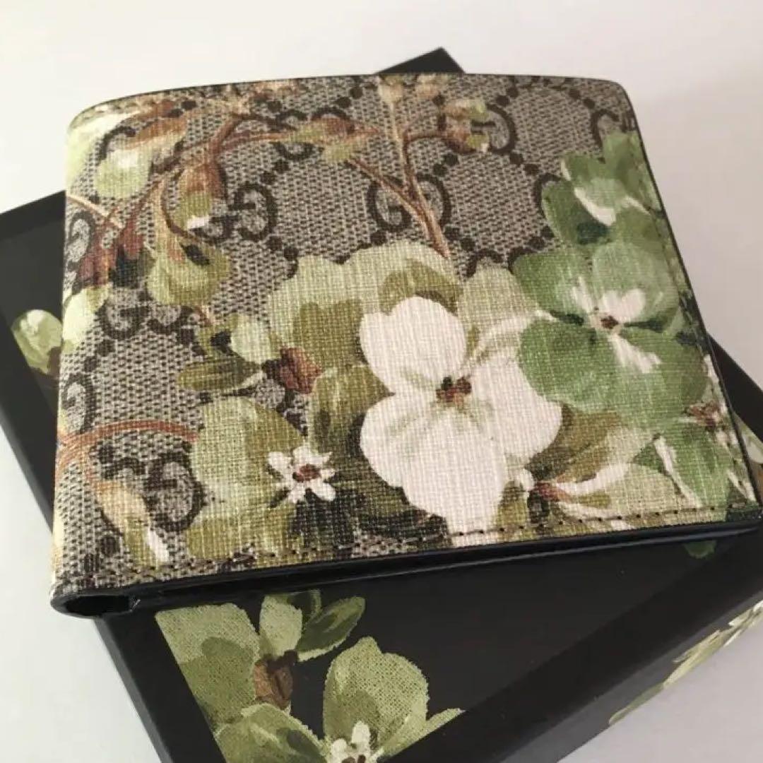 new style e9cf5 400a2 GUCCI ブルームス 二つ折り財布(¥31,500) - メルカリ スマホでかんたん フリマアプリ