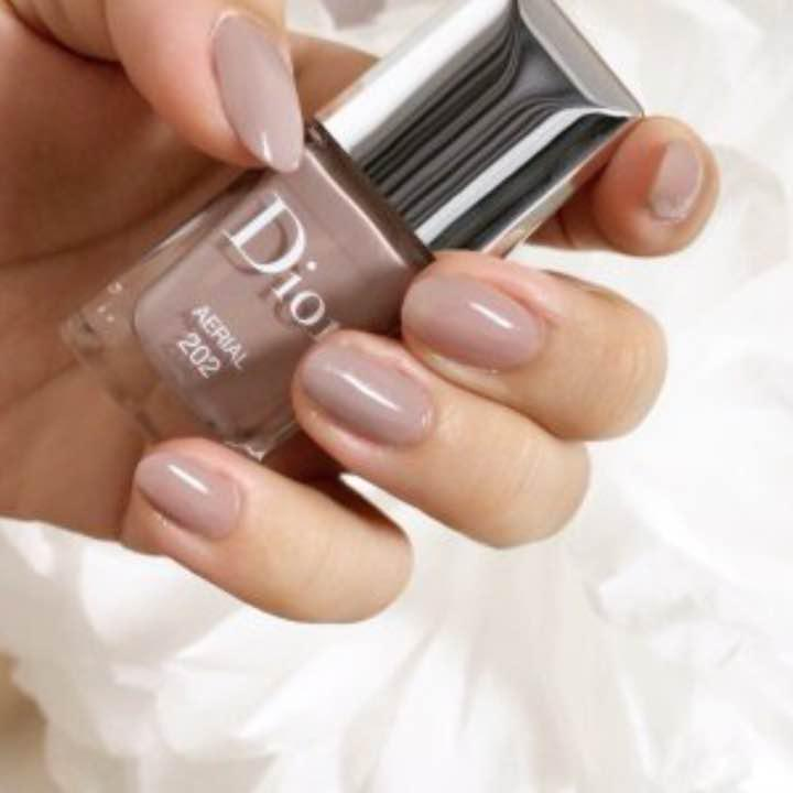 pretty nice 140e9 ccdb3 【土日限定値下げ】Dior♡限定色 202 ネイルカラー(¥3,000) - メルカリ スマホでかんたん フリマアプリ