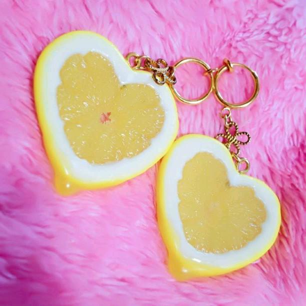 ef632dfcd52019 メルカリ - 試着のみ❤ レモン 檸檬 イヤリング ハート レモン ...