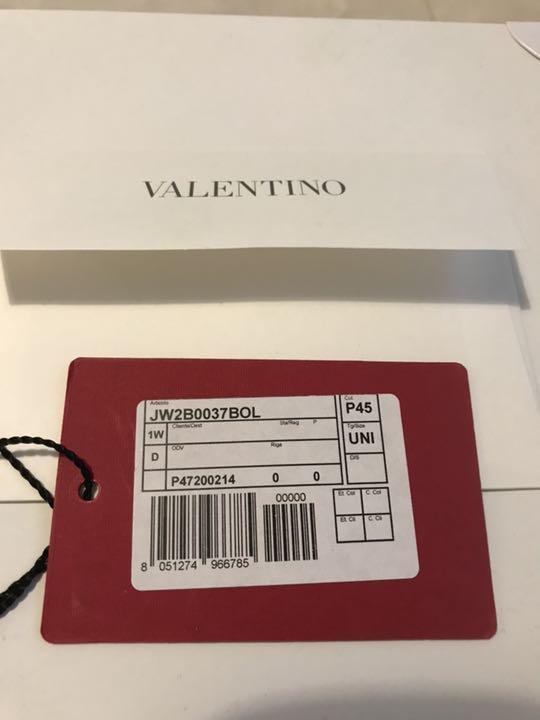 238355ac9f2c メルカリ - 美品ヴァレンティノ本物ロックスタッズトラペーズトートS ...