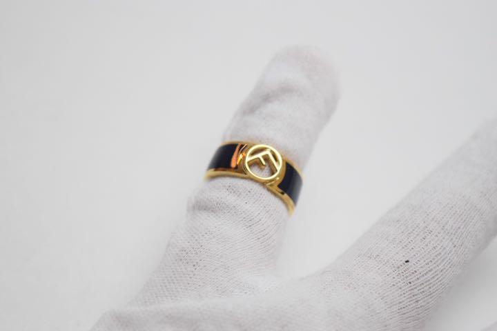 フェンディ 指輪