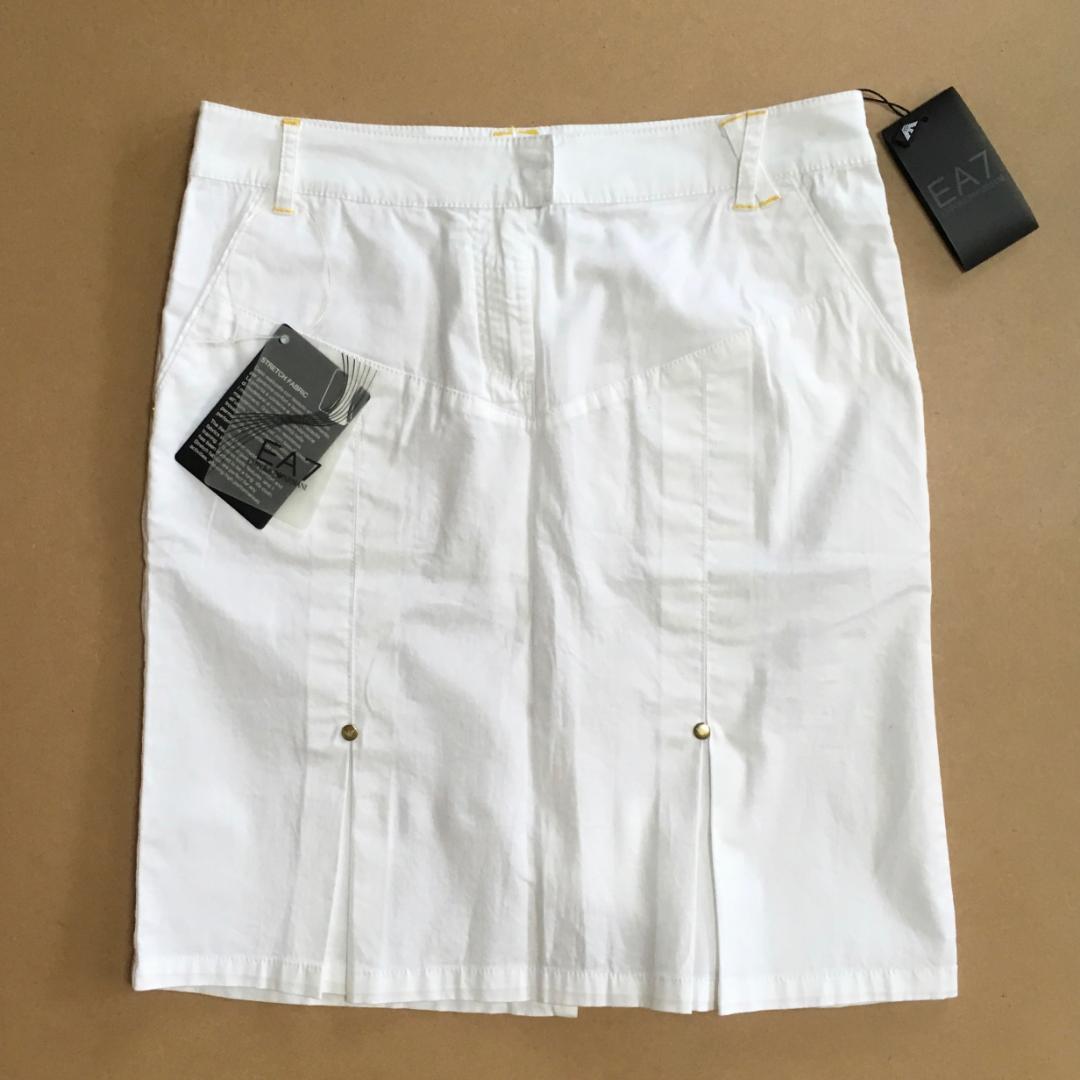 best service 0a350 291bb 未使用☆EA7*エンポリオアルマーニ*ゴルフスカート*ホワイト(¥3,100) - メルカリ スマホでかんたん フリマアプリ