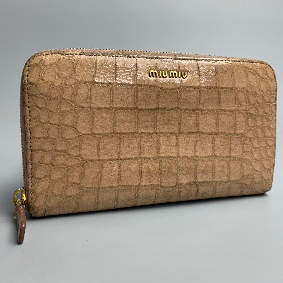 965db2db64a6 メルカリ - 綺麗 miumiu クロコダイル型押し 長財布 ラウンドファスナー ...