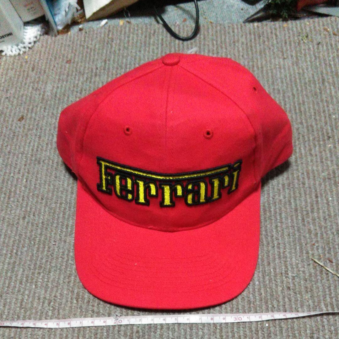 ec58fb1510eb8 メルカリ - フェラーリ キャップ 帽子 赤 (¥1,600) 中古や未使用のフリマ