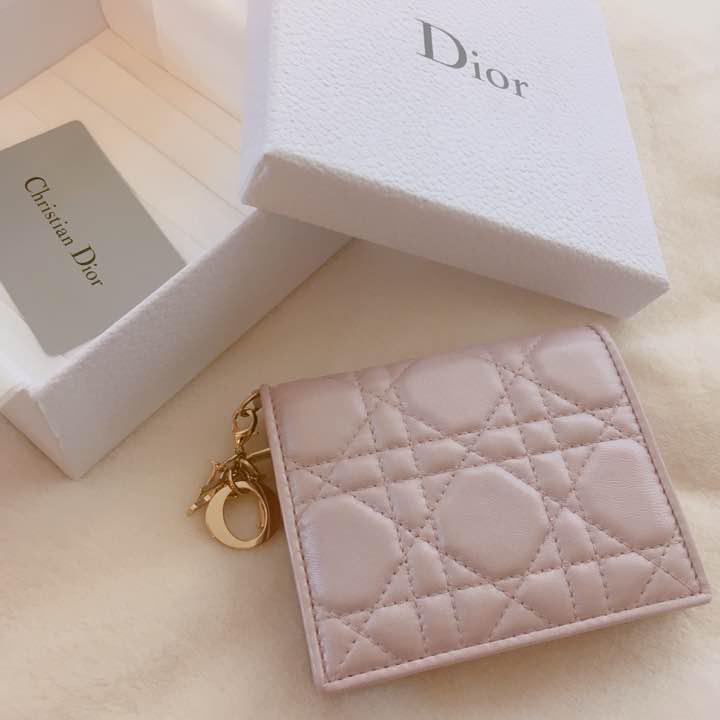 huge selection of 8b2ee 48cb2 Dior 財布 二つ折り ラムスキン 新品(¥30,000) - メルカリ スマホでかんたん フリマアプリ