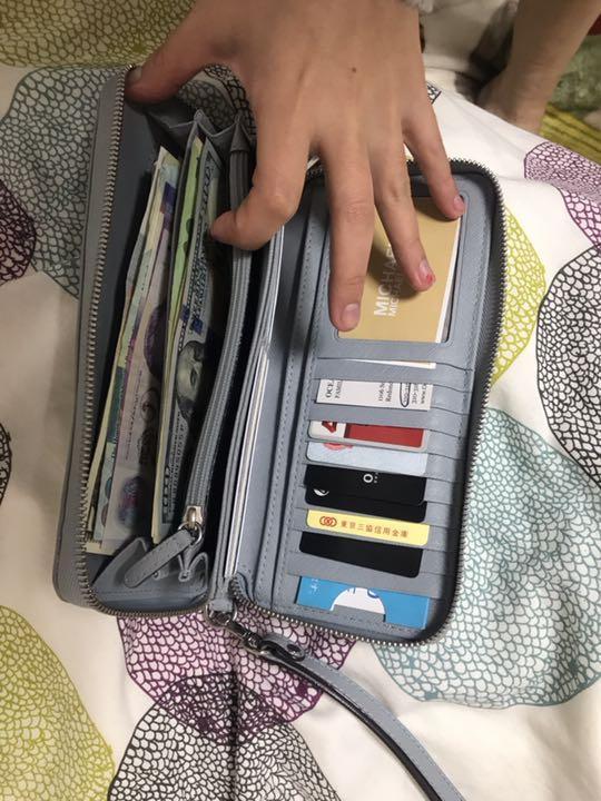 美品マイケルコースの女性財布
