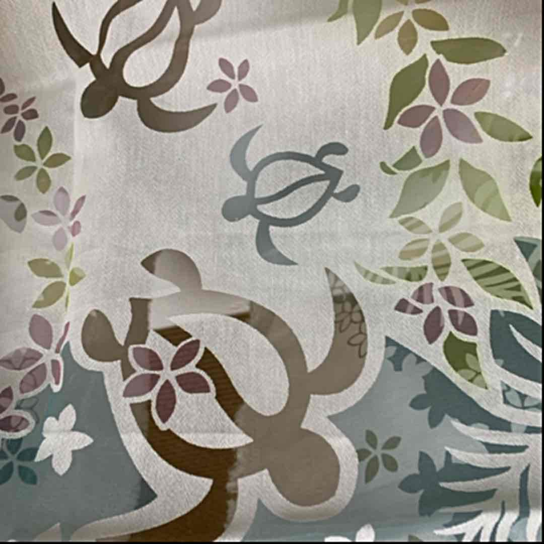 メルカリ No 262 透かし ハワイアン ホヌ プルメリア シースルー 生地 ハギレ 生地 糸 950 中古や未使用のフリマ