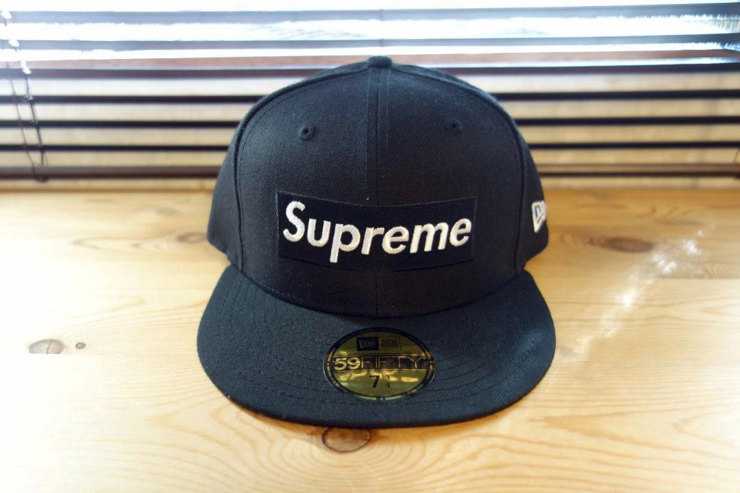 0b70993aa6e メルカリ - Supreme R.I.P Box Logo New Era Cap 7 3 4  キャップ ...