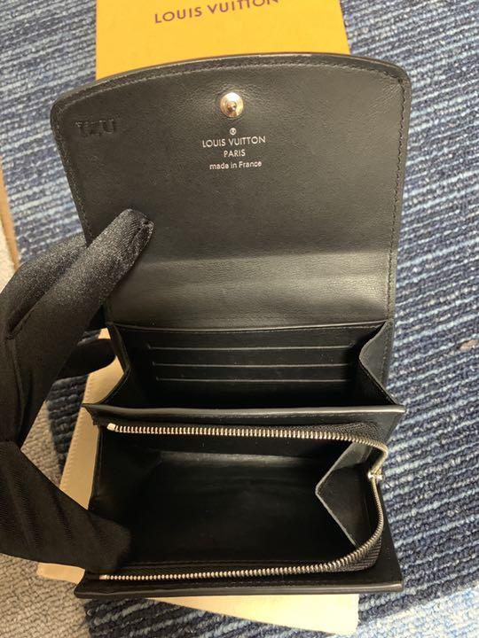 factory price e458d cfe9a ルイヴィトン二つ折り財布(¥30,000) - メルカリ スマホでかんたん フリマアプリ