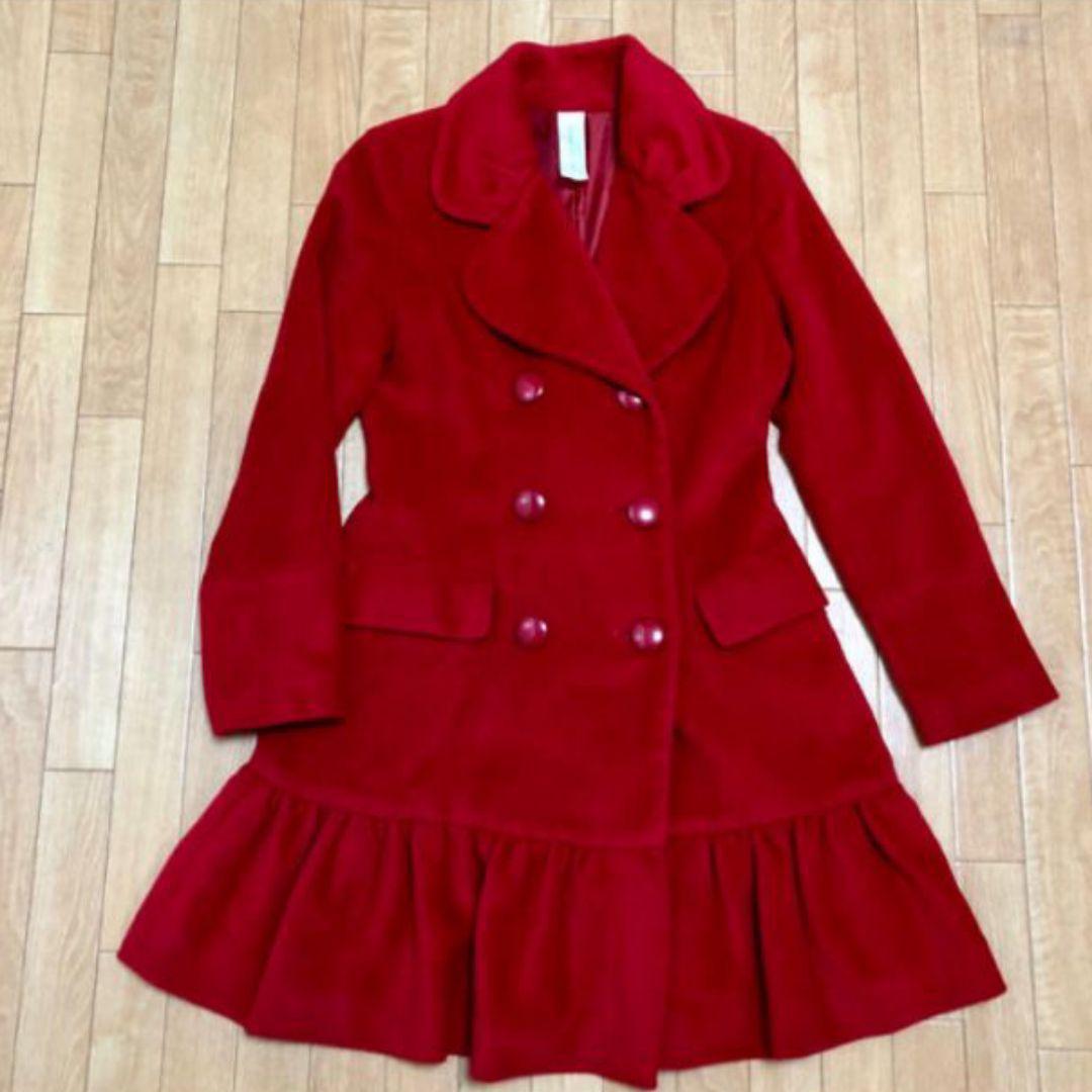 メルカリ プレミアムバイラストシーン コート 赤 ロングコート