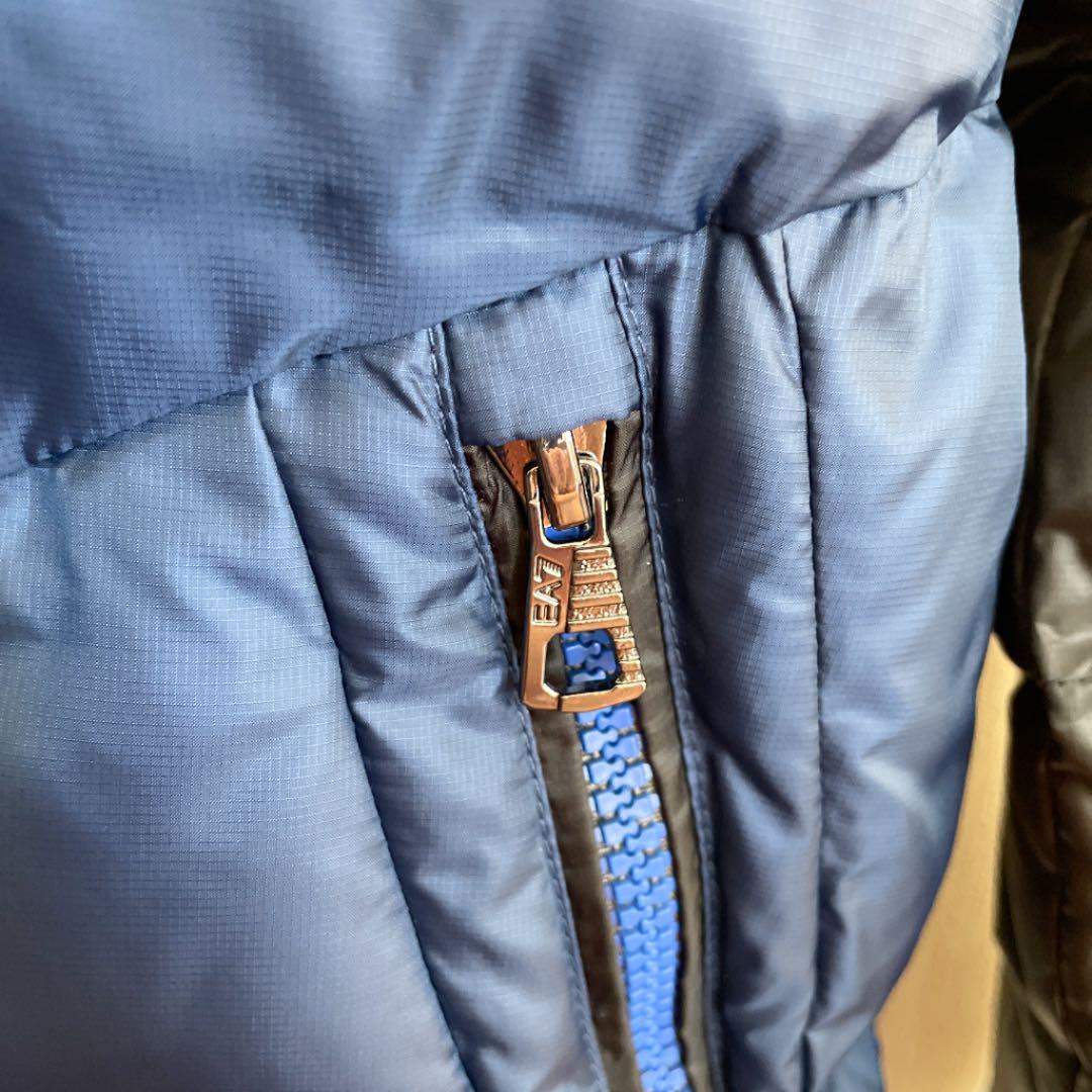 【新品、未使用】アルマーニ ダウンジャケット 8A(130cm)モンクレール