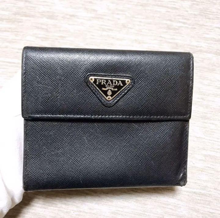 つ折り 二 プラダ 財布