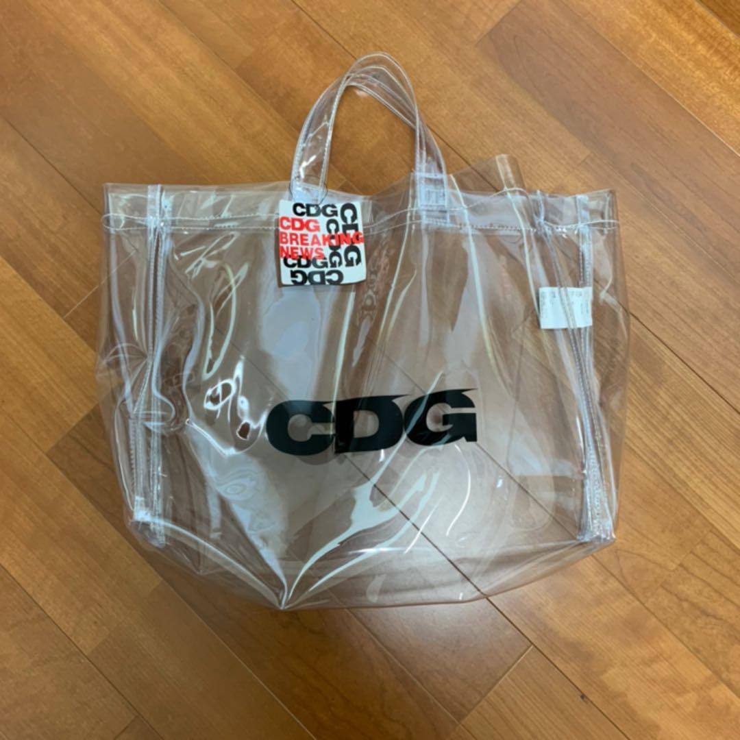 7ff57bfb16e1 メルカリ - 価格 正規品 CDG PVC トートバッグ 【コム デ ギャルソン ...