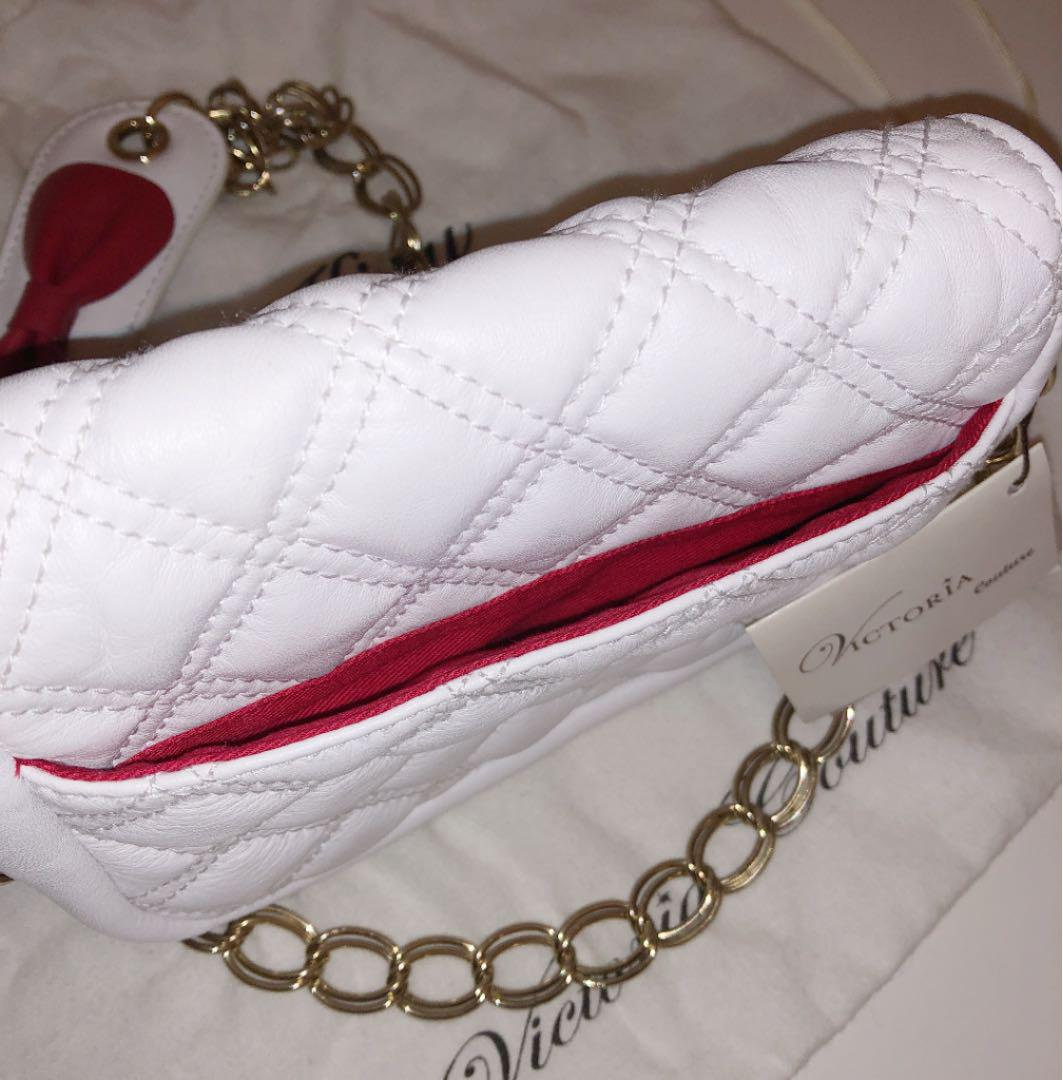 VICTORIA Couture×HELLO KITTY 本革 ミニポシェット