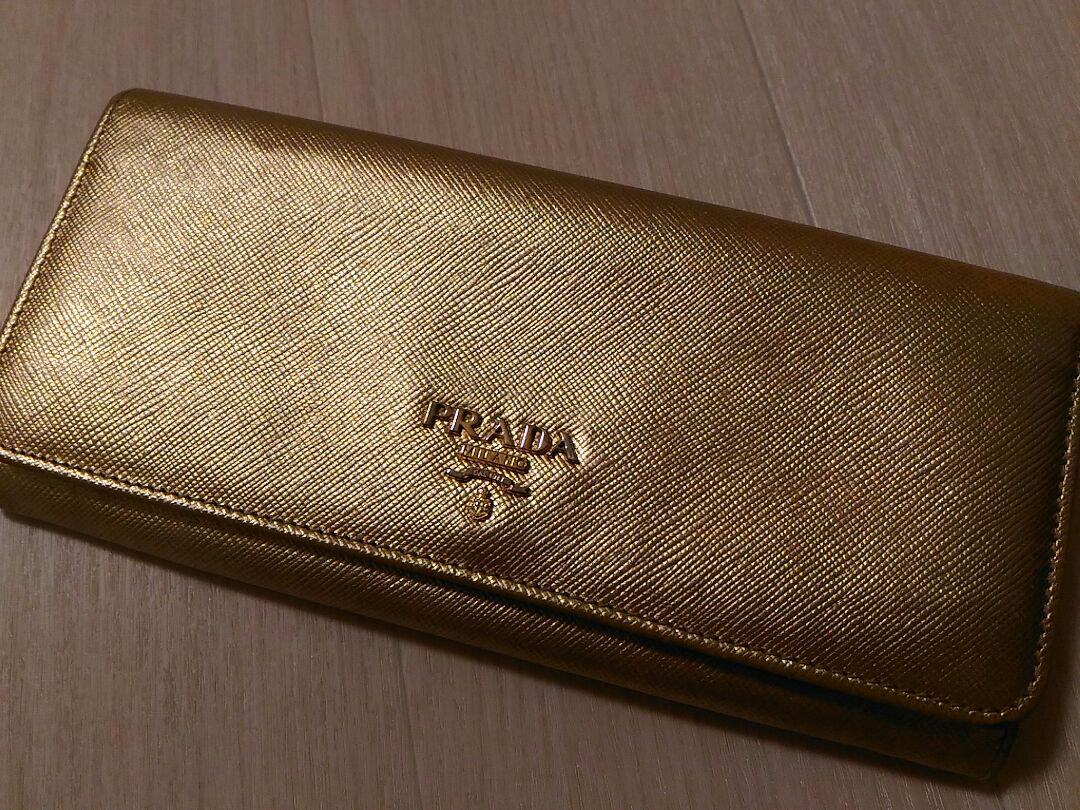 new styles 883a1 b9d28 専用です PRADA プラダ 長財布 ゴールド(¥ 5,000) - メルカリ スマホでかんたん フリマアプリ