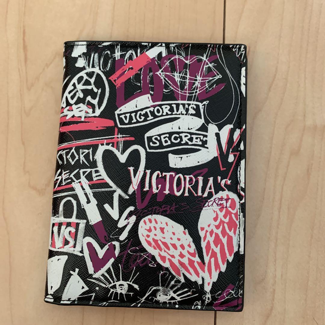 メルカリ ヴィクトリアシークレット パスポートケース インテリア 住まい 小物 2 500 中古や未使用のフリマ