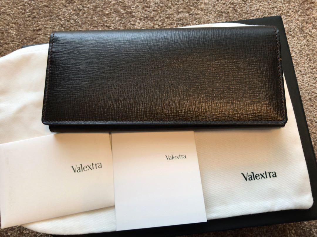 2bd350a04e1a メルカリ - Tackt 新品未使用 VALEXTRA 小銭入れ付き長財布 8カード ...