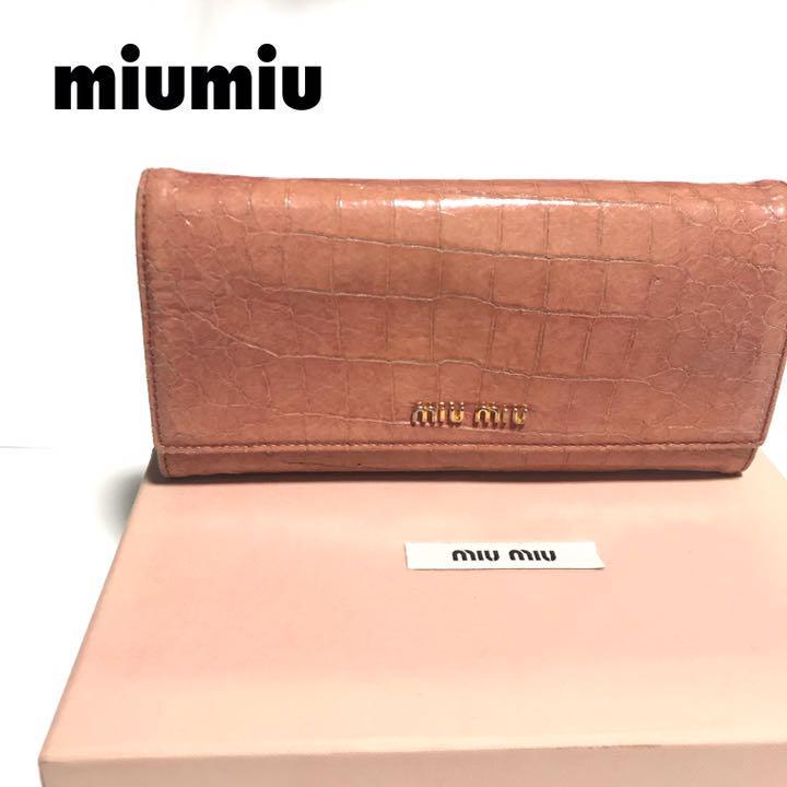 e43d3d013559 メルカリ - 【付属品付】miumiu ミュウミュウ 財布 クロコ型押し レザー ...