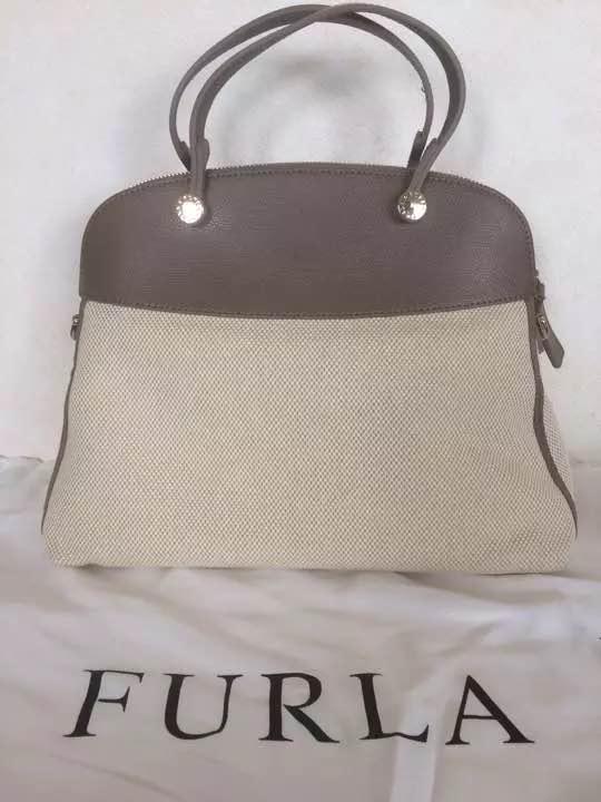 77a09a4cf835 メルカリ - 新品 FURLA パイパー2wayキャンバスハンドバッグ Mサイズ ...