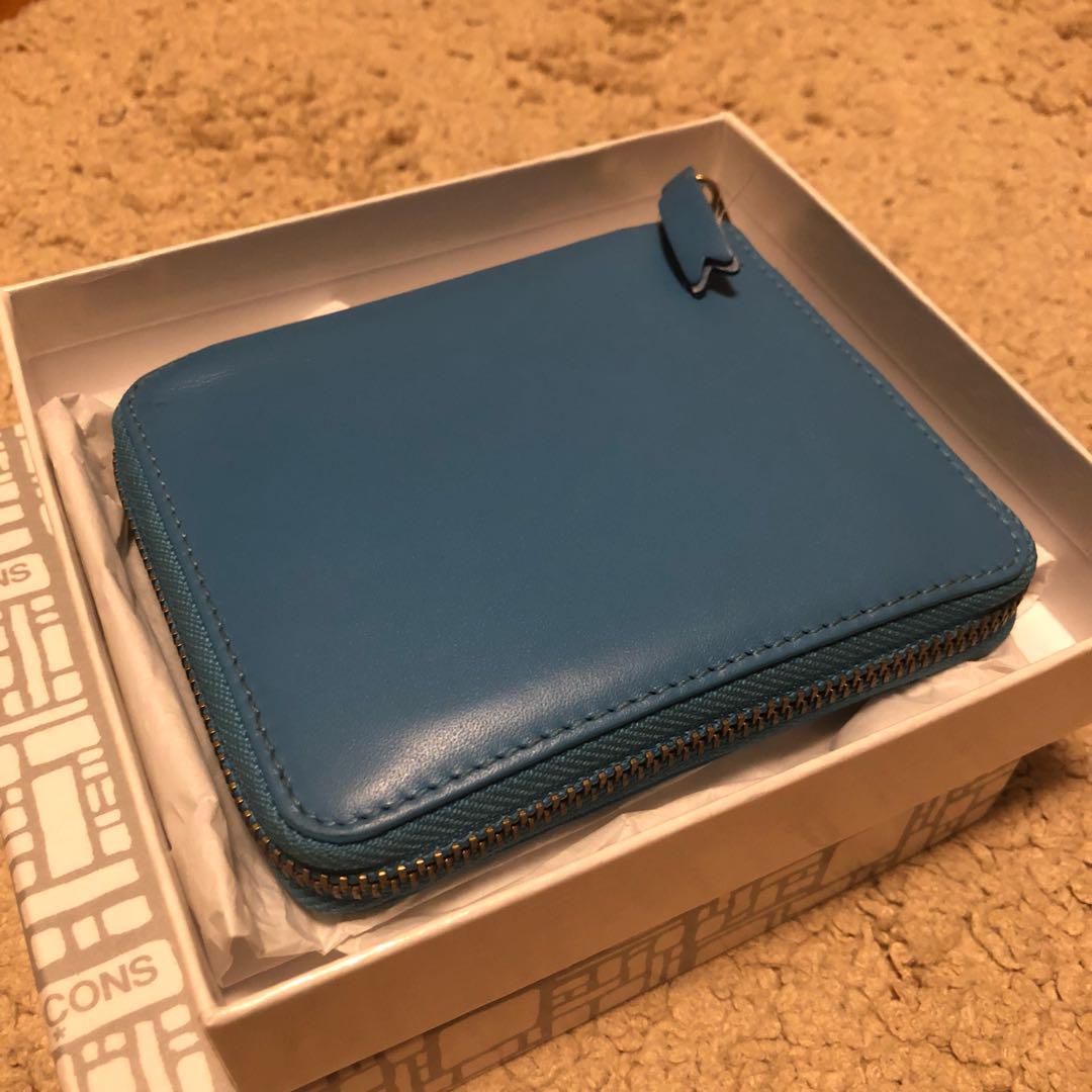 newest bcd3c 520f2 ウォレットコムデギャルソン classic レザー 二つ折り財布 人気色ブルー(¥9,500) - メルカリ スマホでかんたん フリマアプリ