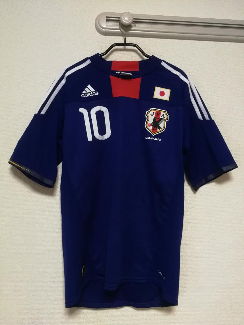 0d15882a90c8c3 メルカリ - adidasサッカー日本代表ユニフォーム二枚とタオルセット ...