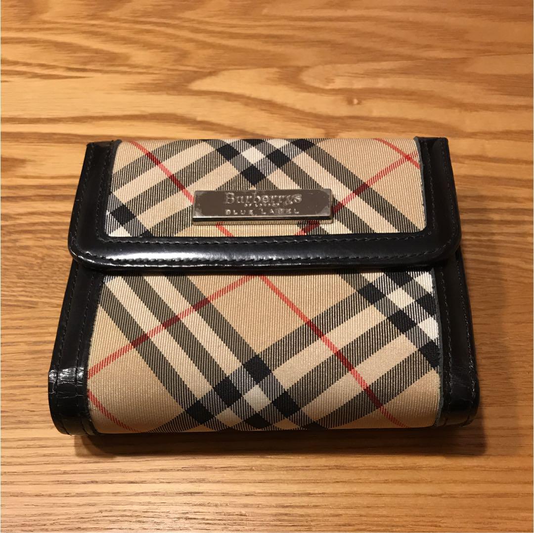 quality design f64a5 00e75 バーバリー 財布 二つ折り(¥2,800) - メルカリ スマホでかんたん フリマアプリ