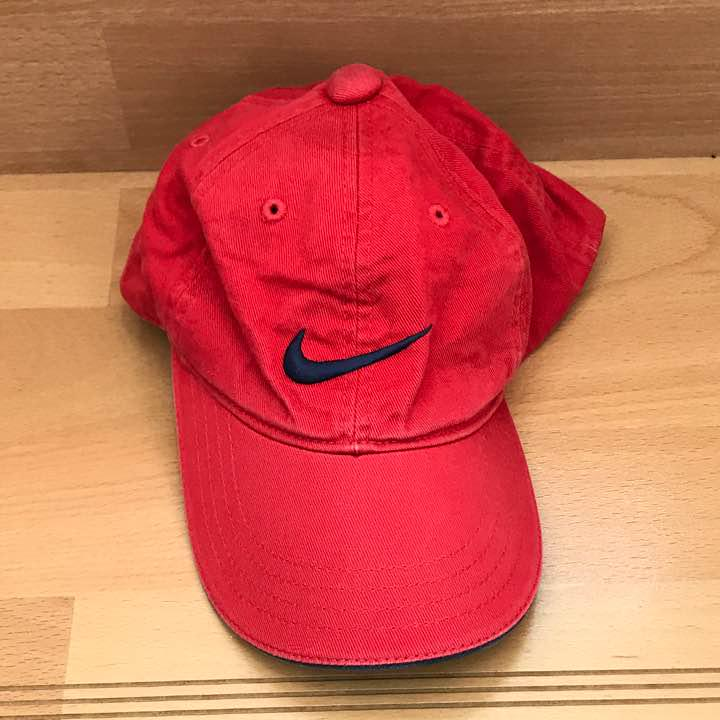 6e481805f639c メルカリ - ナイキ キャップ 赤 【帽子】 (¥500) 中古や未使用のフリマ