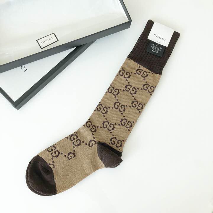 finest selection ed471 4bb48 gucci ggパターン モノグラム ソックス 靴下 Mサイズ 24-26cm(¥14,000) - メルカリ スマホでかんたん フリマアプリ
