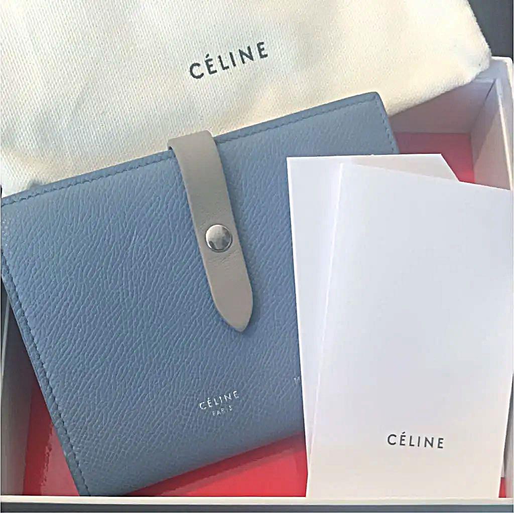 quality design 1b9a9 24589 SEAさん専用 CELINE 財布 ストラップ ミディアム(¥50,000) - メルカリ スマホでかんたん フリマアプリ
