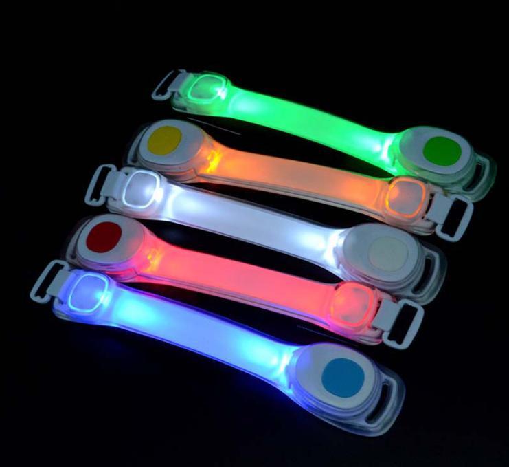 e5f0dec094956 メルカリ - 2個セット LED アームバンド 夜間 ランニング ジョギング用 ...