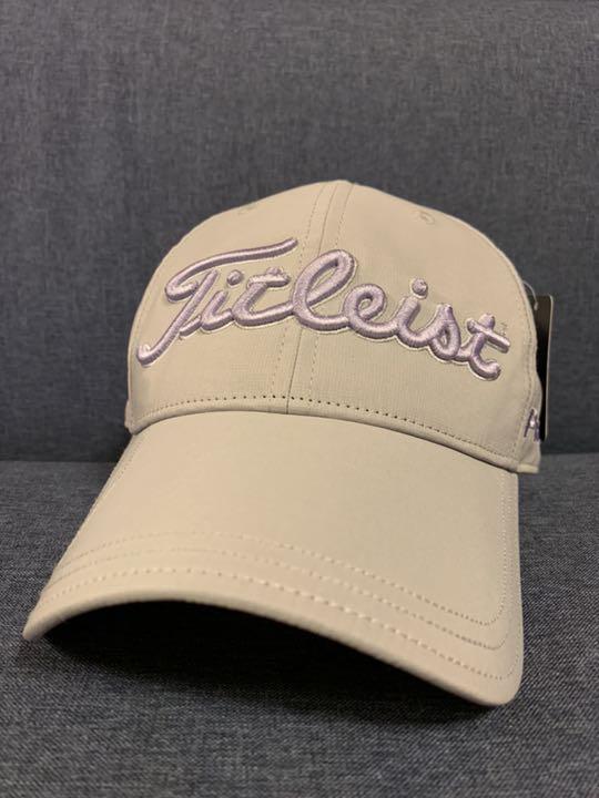 69a2a394f6ca7 メルカリ - 新品 タイトリスト ゴルフ マーカー付き キャップ 帽子 ...