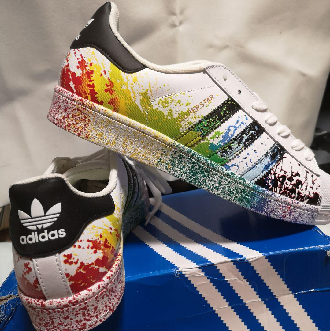 premium selection 9c4a3 5b5e6 adidas superstar LGBT pride スニーカー(¥13,900) - メルカリ スマホでかんたん フリマアプリ