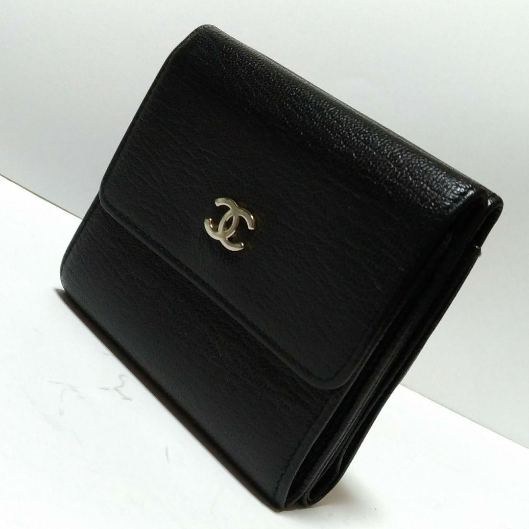 2c9996a35ea3 メルカリ - CHANEL シャネル ココマーク レザー 二つ折り財布 ブラック ...