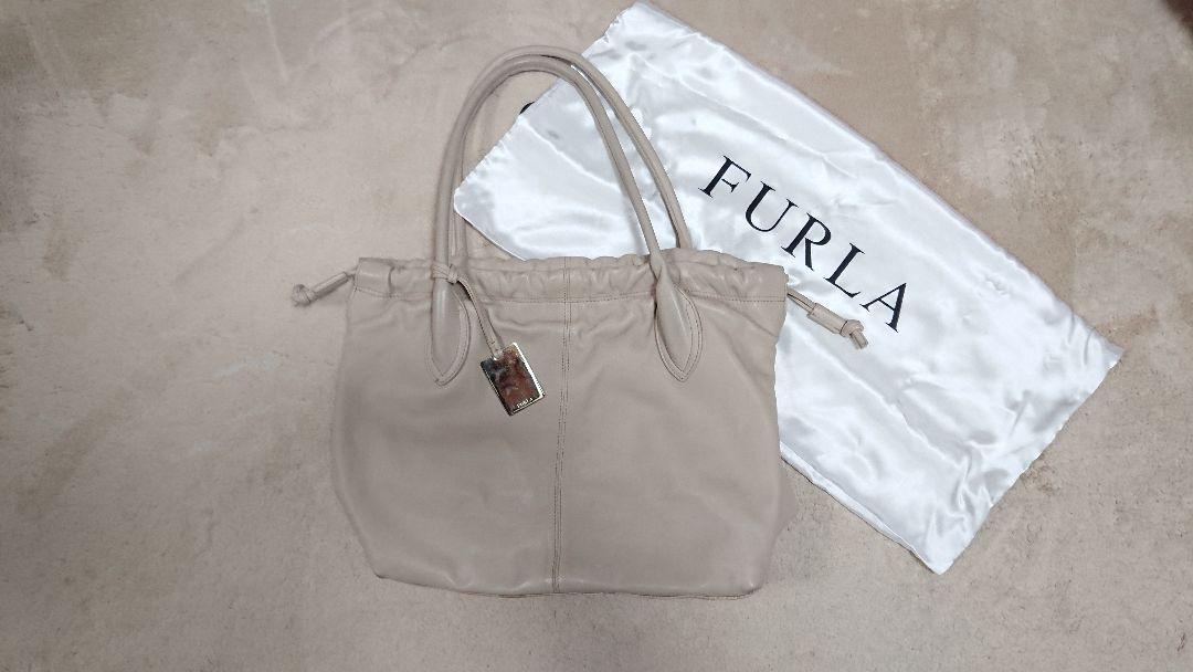 5dfb7621e50a メルカリ - FURLA フルラ トートバッグ ベージュ 【フルラ】 (¥3,000 ...