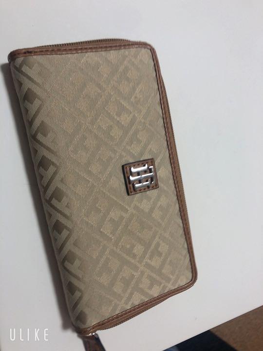 reputable site f5083 71be4 トミーフィルガー 財布(¥2,500) - メルカリ スマホでかんたん フリマアプリ