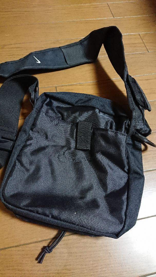 8a0386b36f51 メルカリ - NIKE ナイキ ショルダーバッグ 黒 【リュック/バックパック ...
