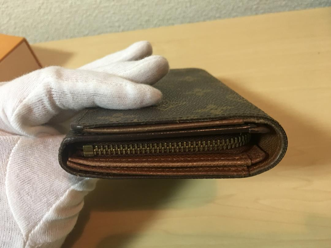 new arrival 1eda6 86d64 LOUIS VUITTON ルイ・ヴィトン モノグラム 二つ折り 財布(¥5,700) - メルカリ スマホでかんたん フリマアプリ