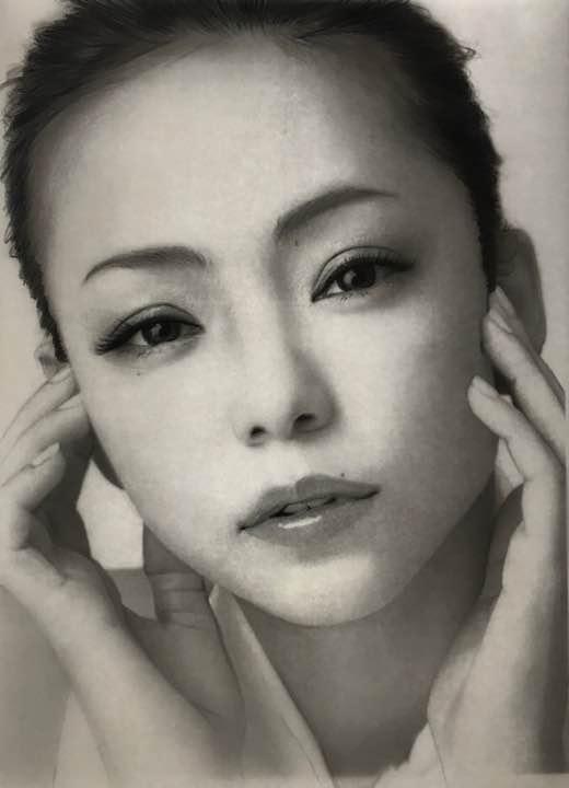 メルカリ いさぷ 安室奈美恵 鉛筆画 イラスト ミュージシャン